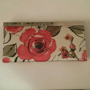 NWOT Maurices clutch